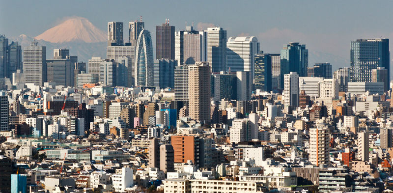 風俗求人が盛り上がる新宿の街並み